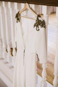 Vestido de novia con dorado